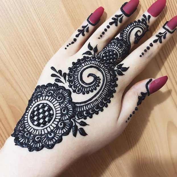 Bold Mehndi Designs ShaadiTaiyari
