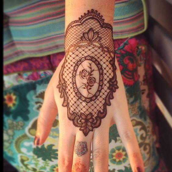 Modern Bridal Mehndi Designs and Ideas